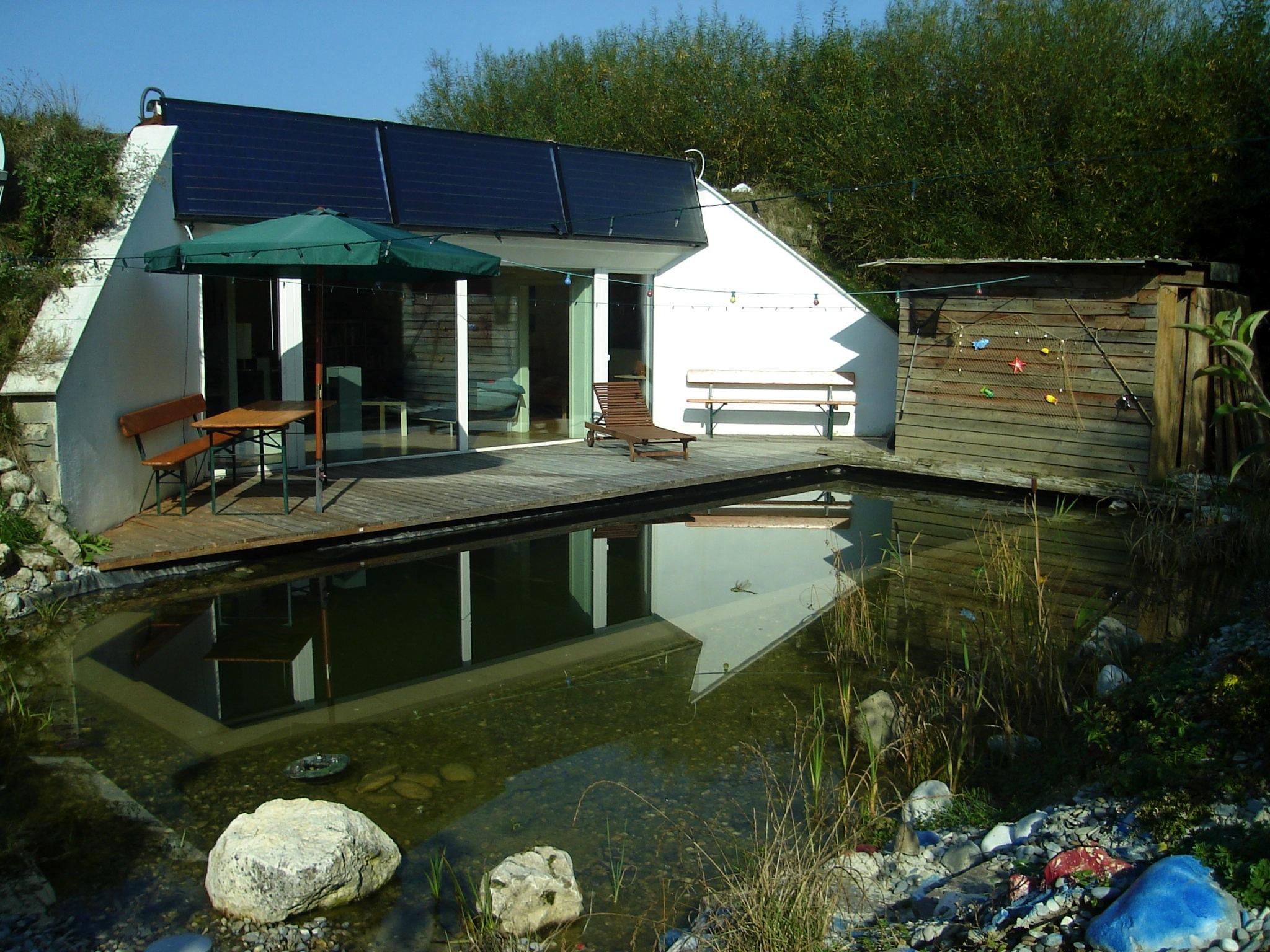 schweizer kommt mit 37000 liter solarer thermoskanne durch den ganzen winter passivhaus. Black Bedroom Furniture Sets. Home Design Ideas