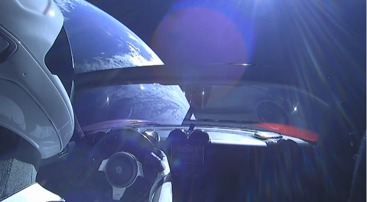 Tesla Roadster cruising through Space – Elon Musk delivers Tesla Electric Car to Space via Falcon Heavy Rocket Live stream Webcam