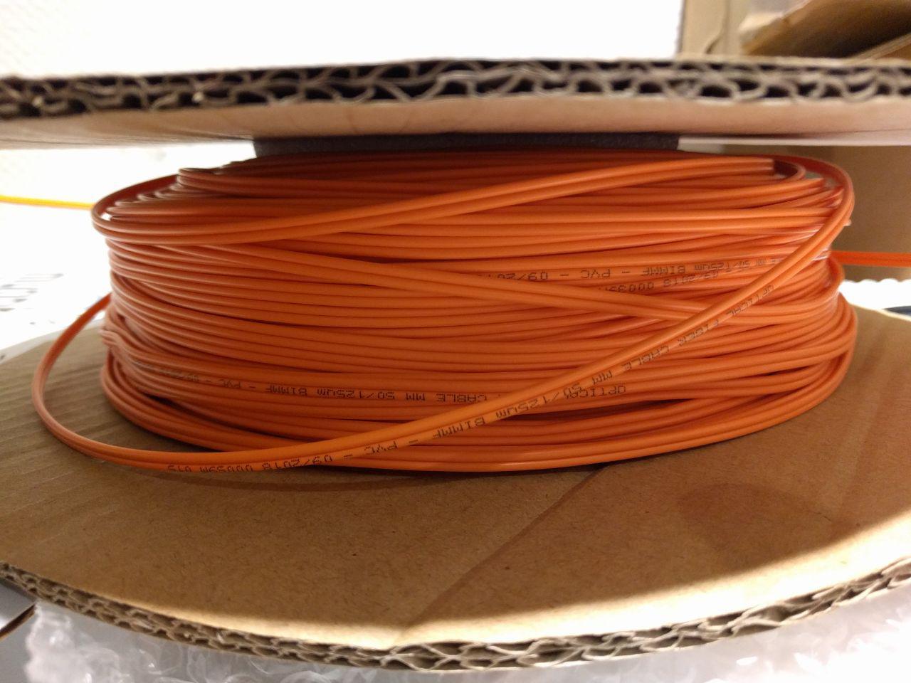 150m of LWL-patch cable LC UPC to LC UPC Duplex plug OM2 Multimode PVC (OFNR) 2.0mm fibre optic data cable https://www.fs.com/de/products/74394.html