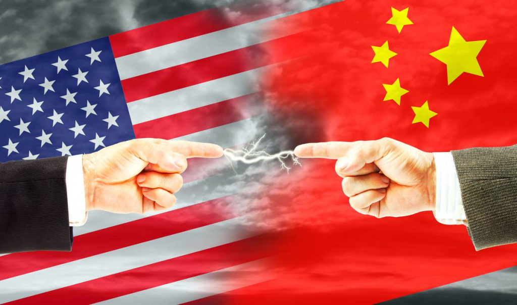 US vs China – the digital iron curtain – WhatsApp Telegram WeChat and TikTok – how citizens become spies by-accident – national cyber-sovereignty – OS/2 is still alive